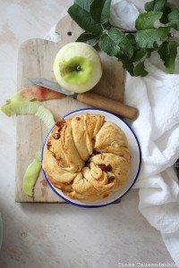 Gefüllter Apfelzopf