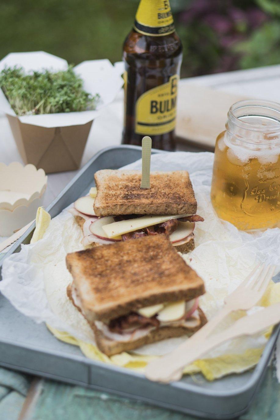 Gurkensandwich, Turkey Club Sandwich und Cider!
