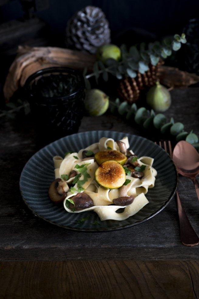 Tagliatelle mit Pilzen, Roquefort und karamellisierten Feigen