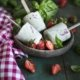 Basilikum Erdbeer Eis am Stiel