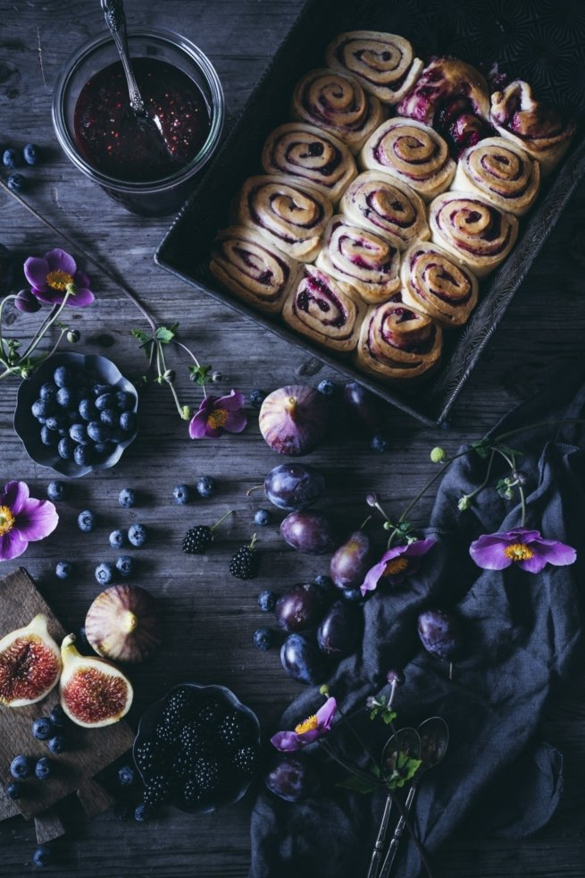 Ruckzuck - Hefeschnecken mit Beerenmarmelade