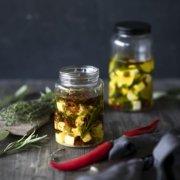Eingelegter Feta in Olivenöl