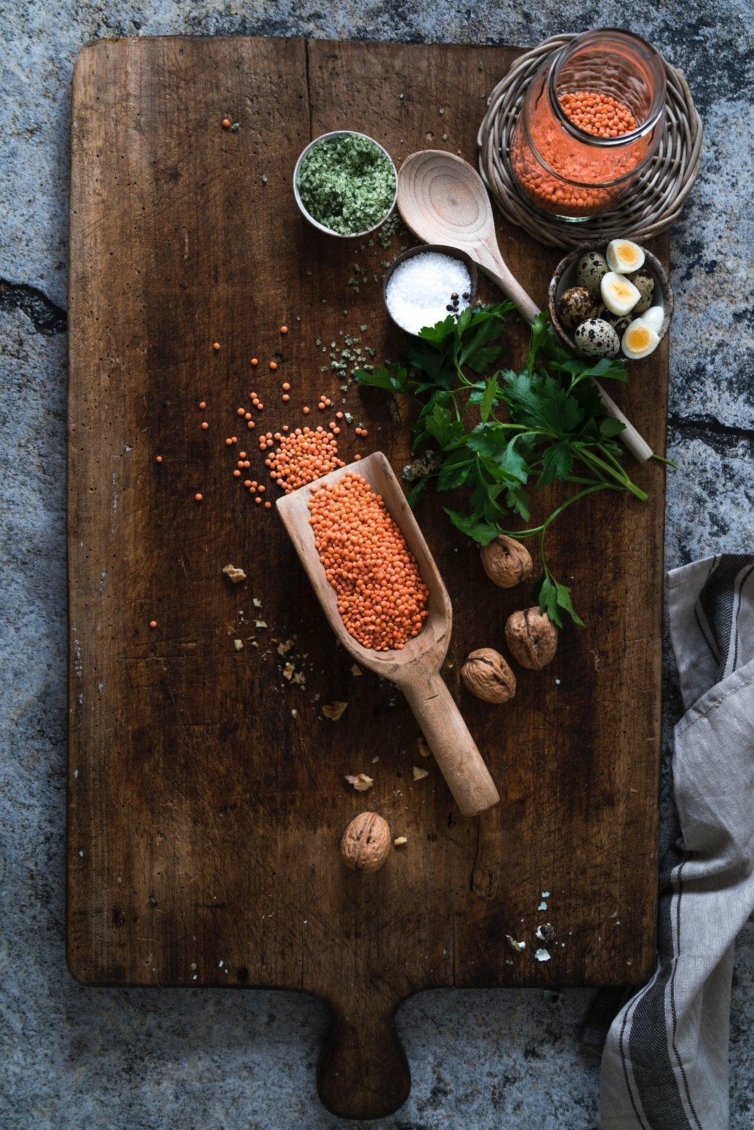 Rote Linsen Möhren Hummus mit Walnüssen