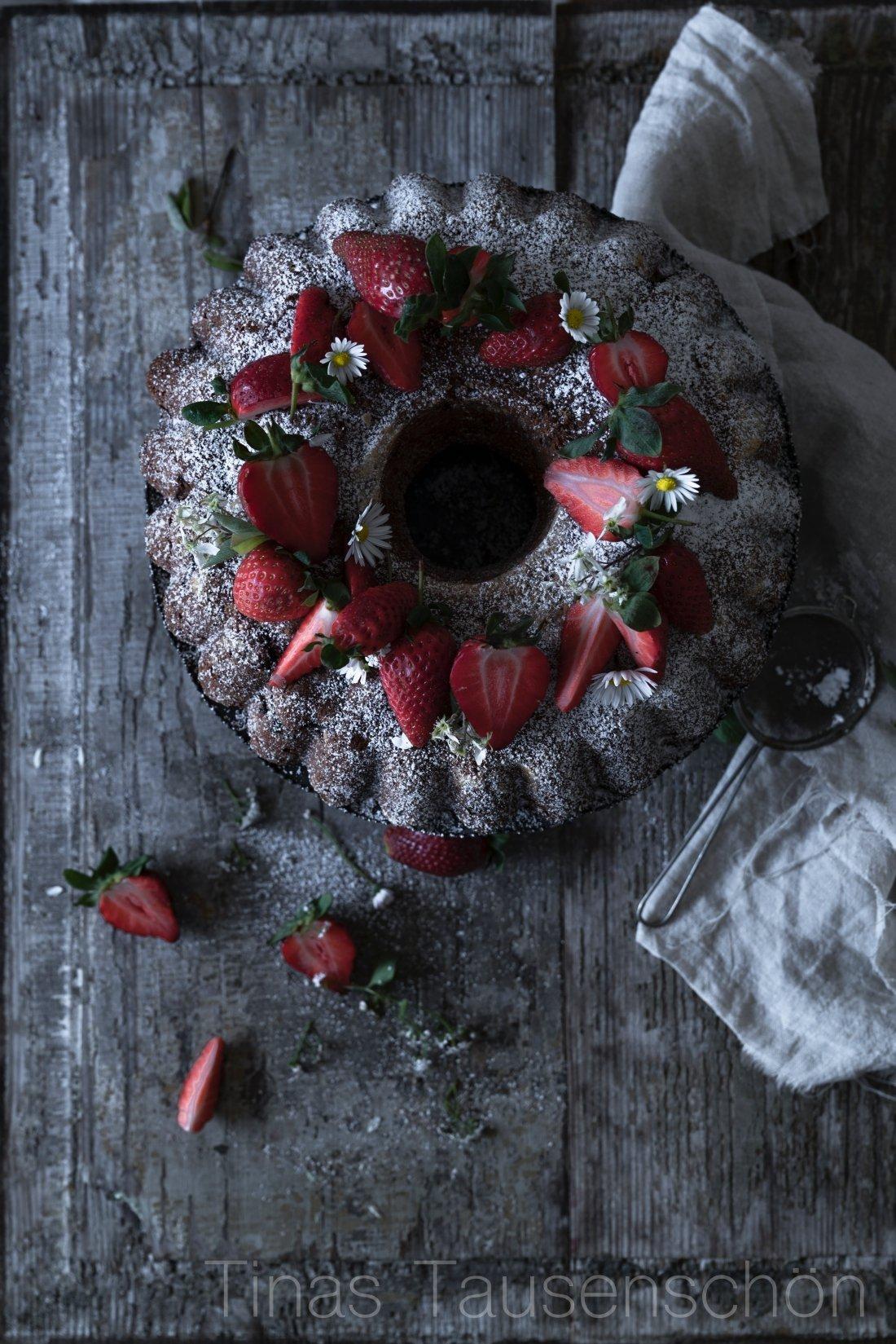 Schokoladiger Erdbeer Bananen Kuchen