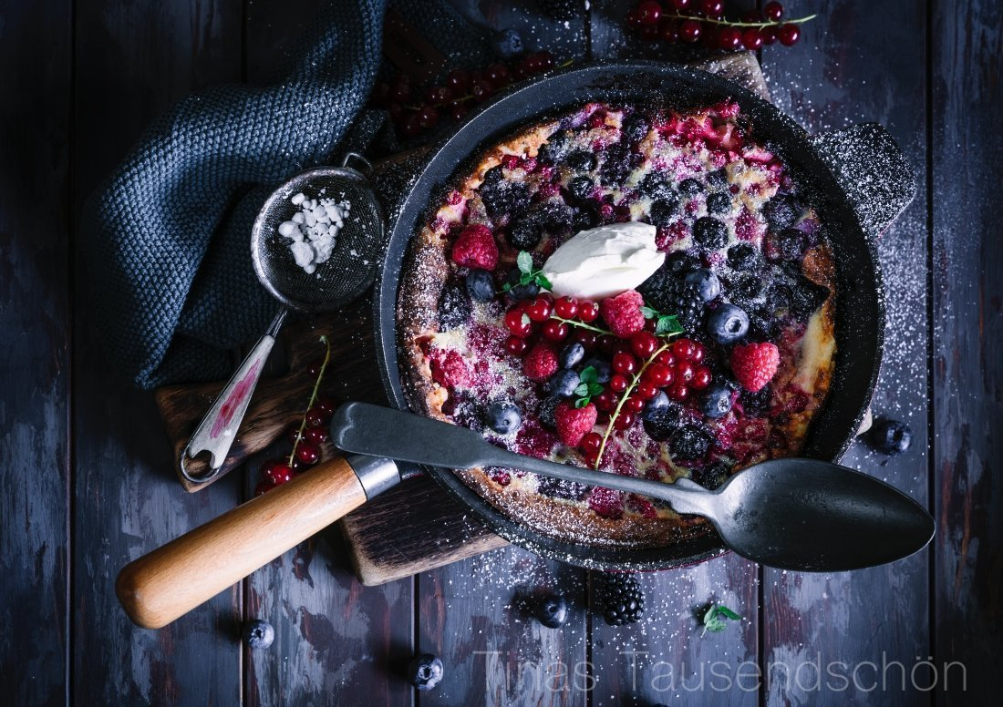 Sommerlicher Beeren Dutch Baby