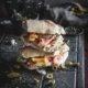 Roestbrot Sandwich mit Serranoschinken und Orangen Chutney