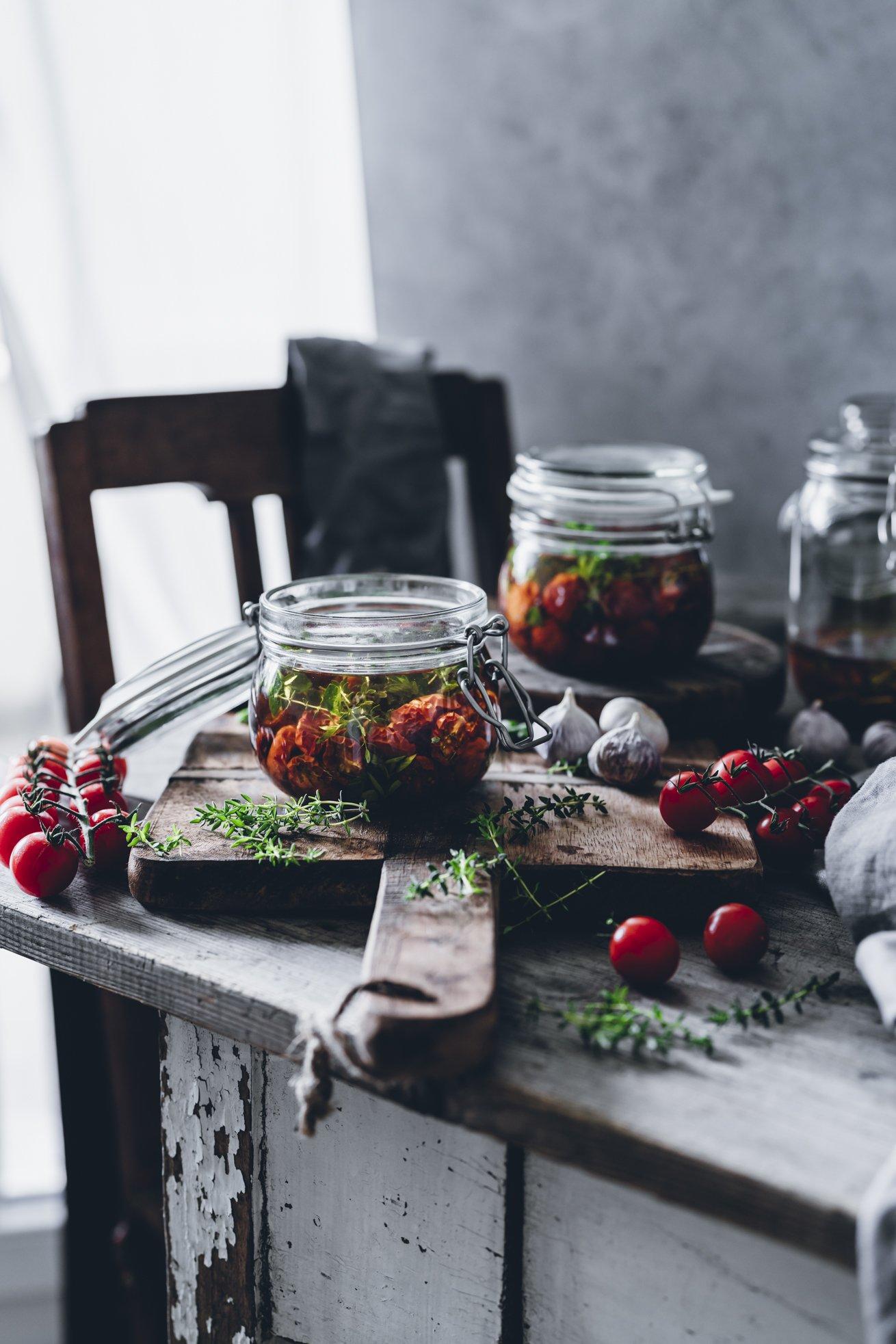 Einfaches Rezept für halbgetrocknete Cherrytomaten