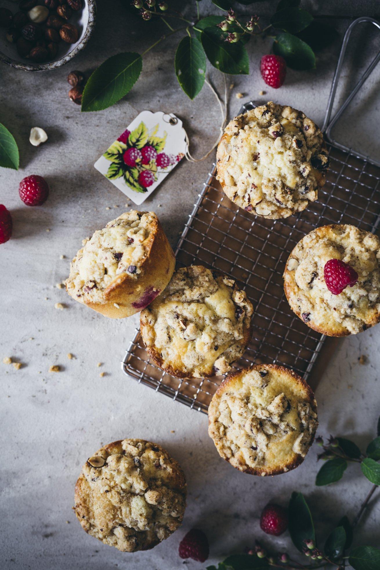 Saftige Muffins mit super knusprigen Streuseln aus Haselnüssen