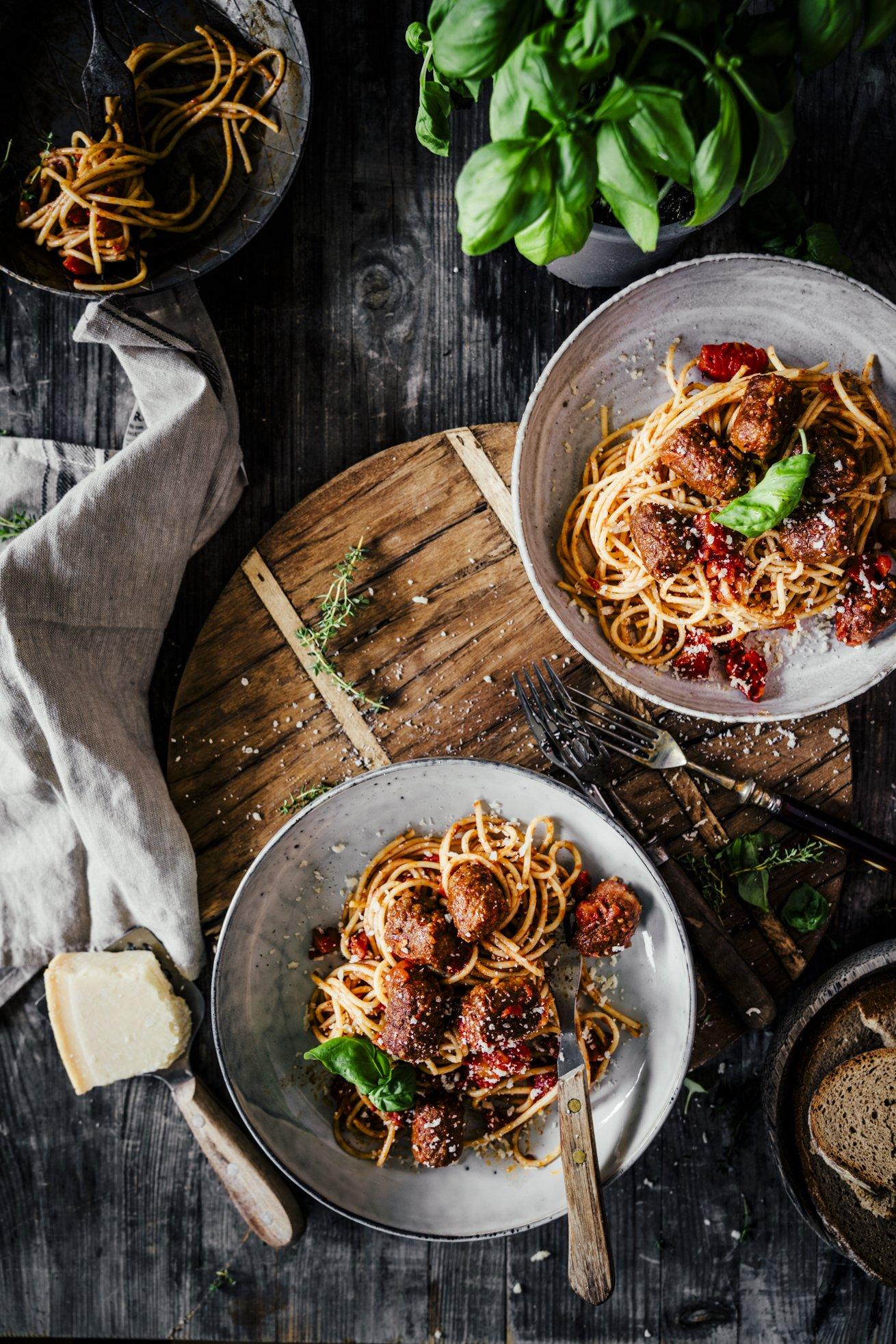 Spaghetti mit Tomatensauce und Meatballs