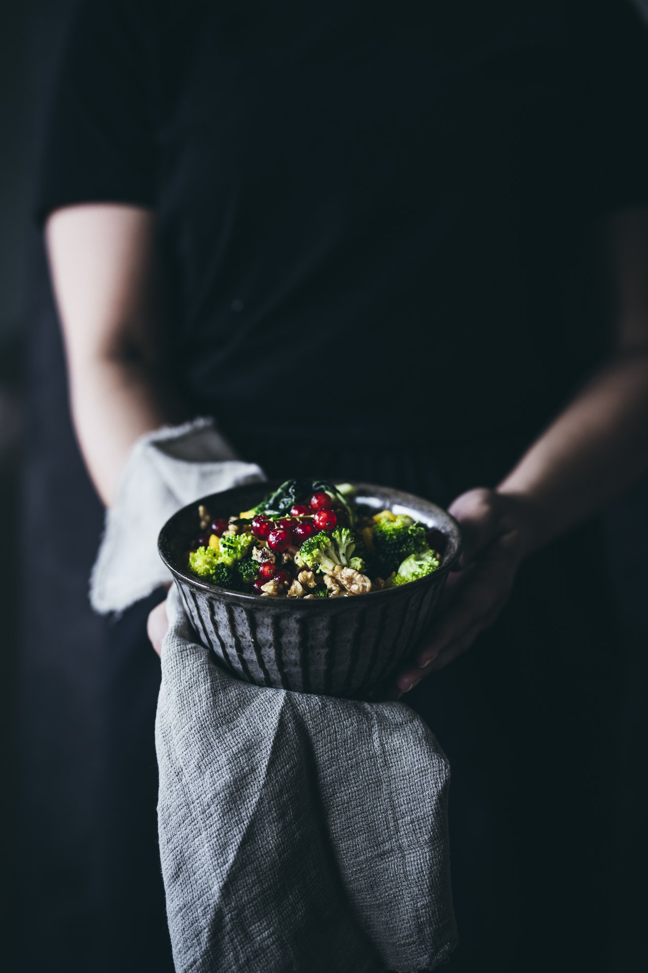 Toller Brokkoli Salat mit Walnüssen und Johannisbeeren