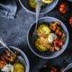 Kräuter - Creme Fraiche Kartoffelküchlein mit Ratatouille