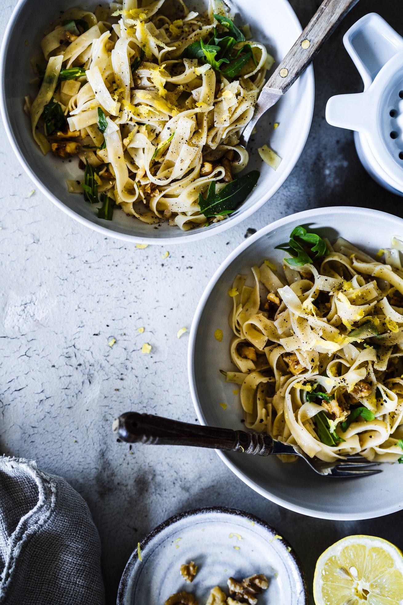 Perfekte Sommer Pasta aus 5 Zutaten. Walnuss Zitronen Tagliatelle