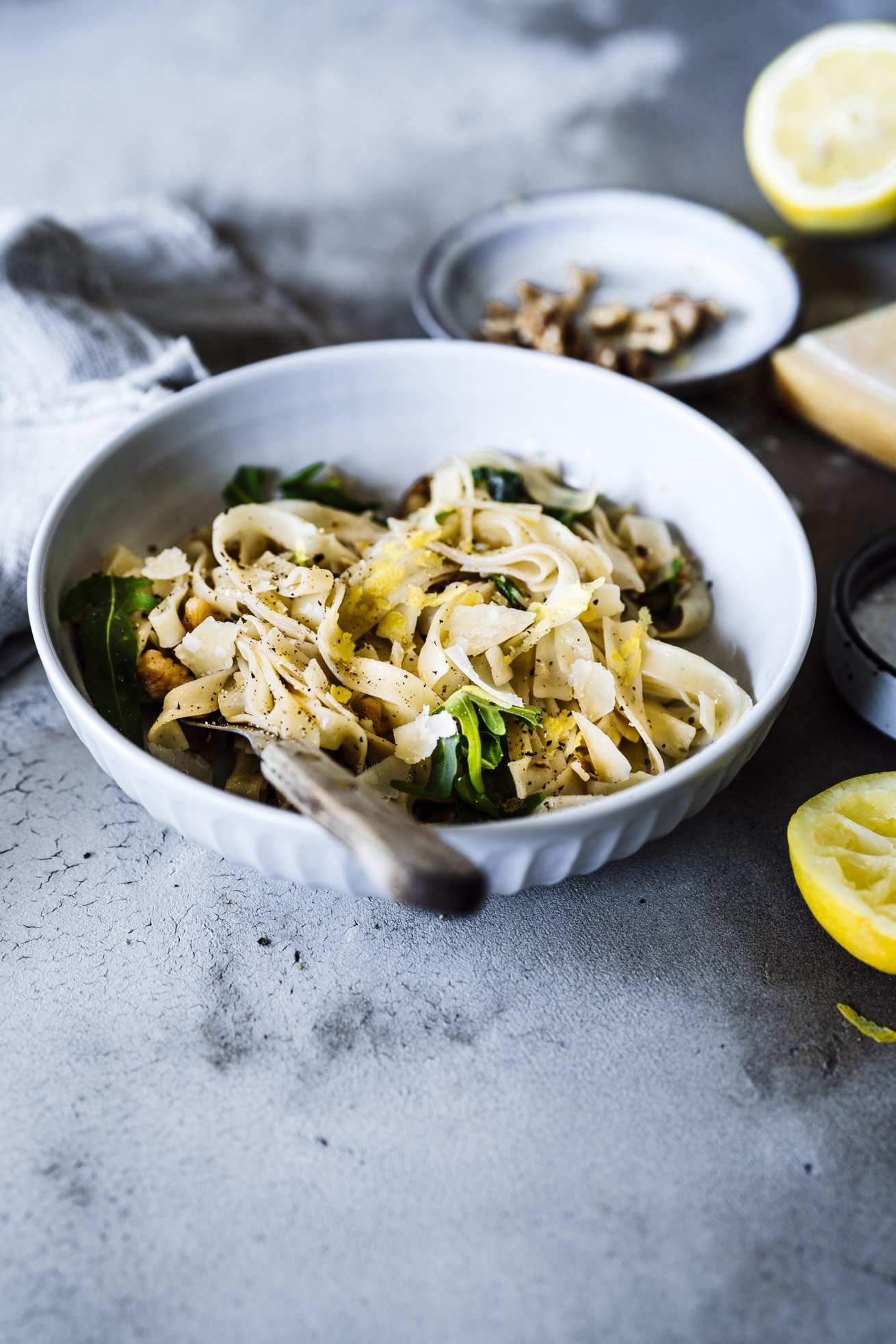 Rezept für die leckerste Sommer Pasta ever. Aus 5 Zutaten schnell und einfach