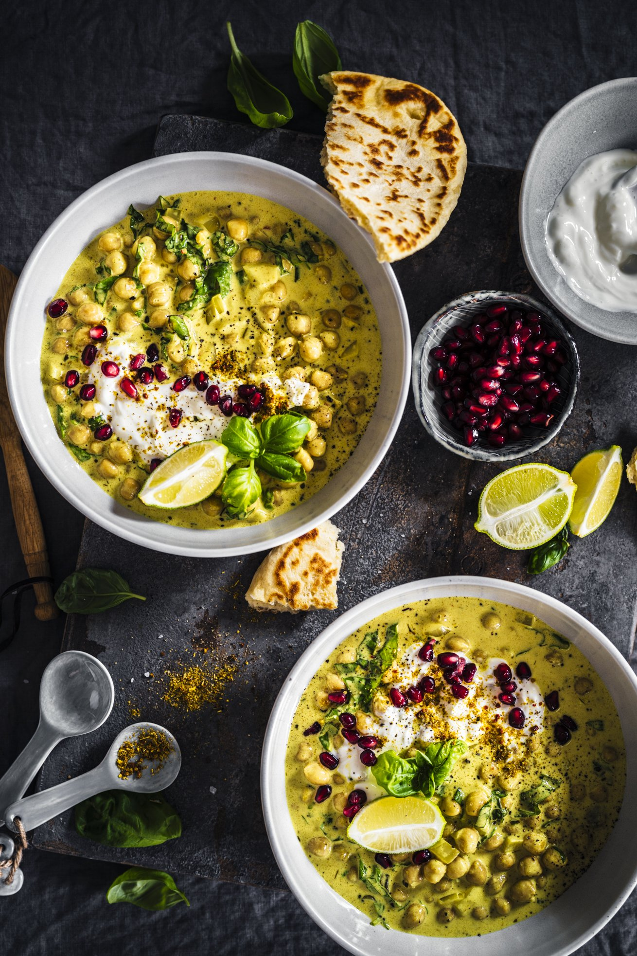 Einfaches Rezept für ein Sommer Kichererbsen Curry mit Basilikum