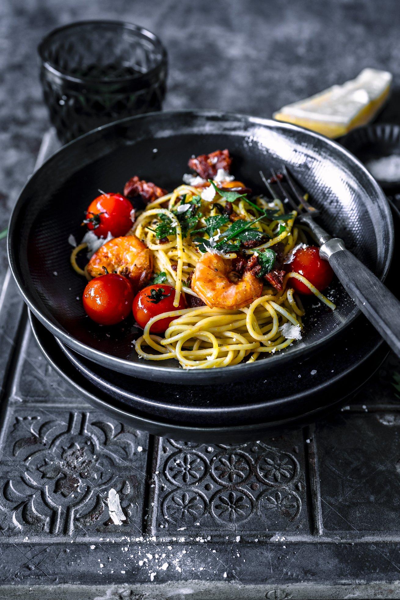 Tolle Geschmackskombination - Spaghetti Surf and Turf mit Chorizo und Scampi