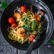 Schnelle Sommer Pasta - a la Surf and Turf mit Scampi