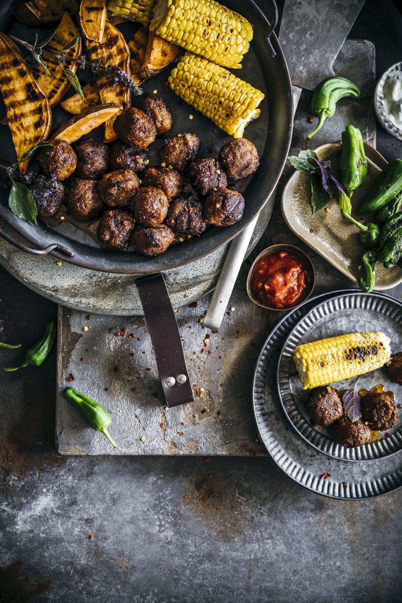 Vegane Hackbällchen, Mais und Süßkartoffel