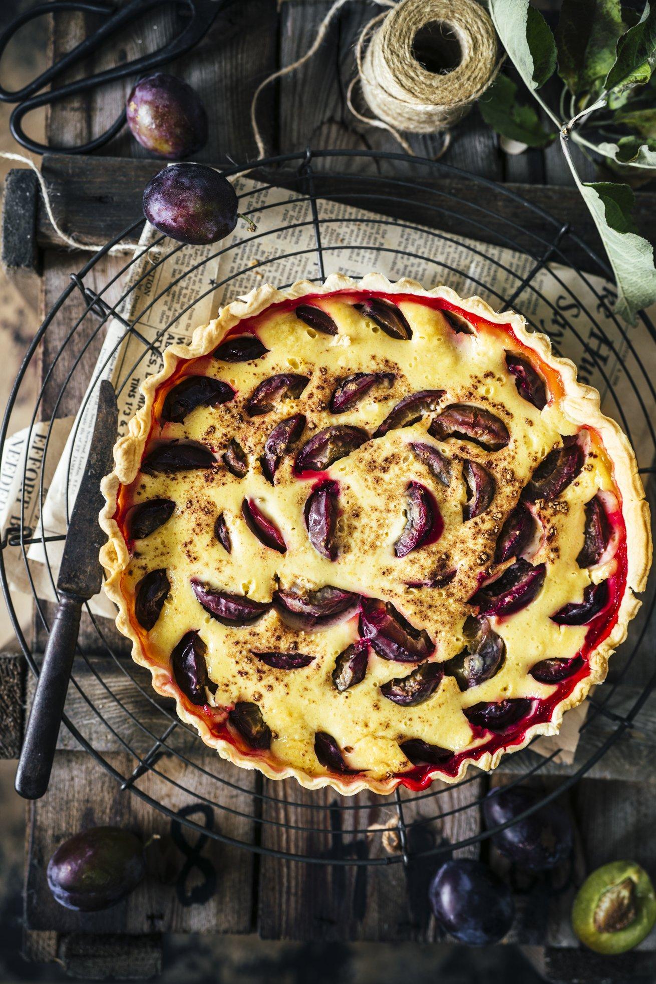 Einfaches und gelingsicheres Rezept für einen Zwetschgenkuchen mit Mürbeteig und Rahmguss