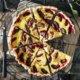 Zwetschgenkuchen Klassiker mit Rahmguss und Zimt. Einfach lecker!