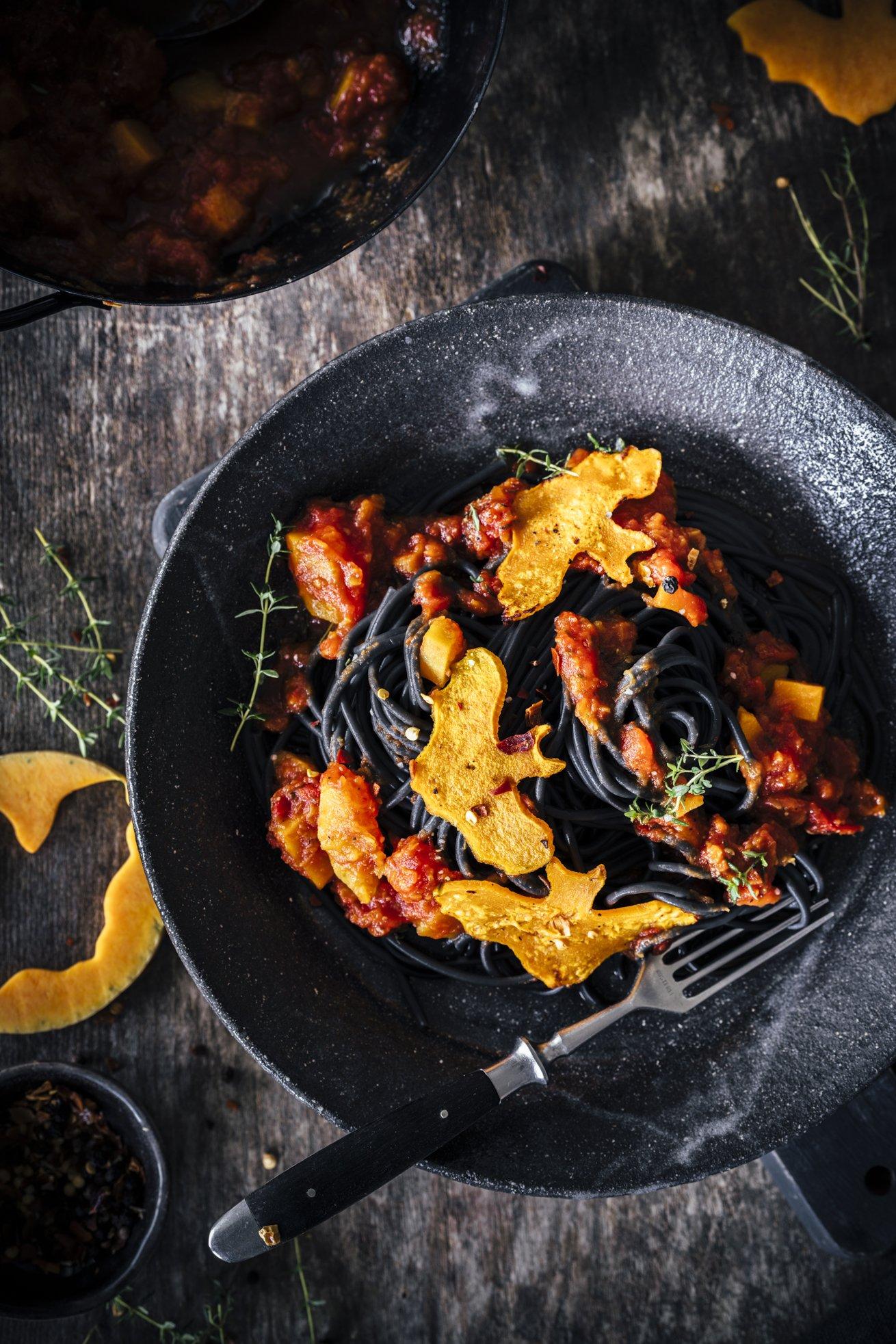 Spooky Halloween Spaghetti mit Kürbis
