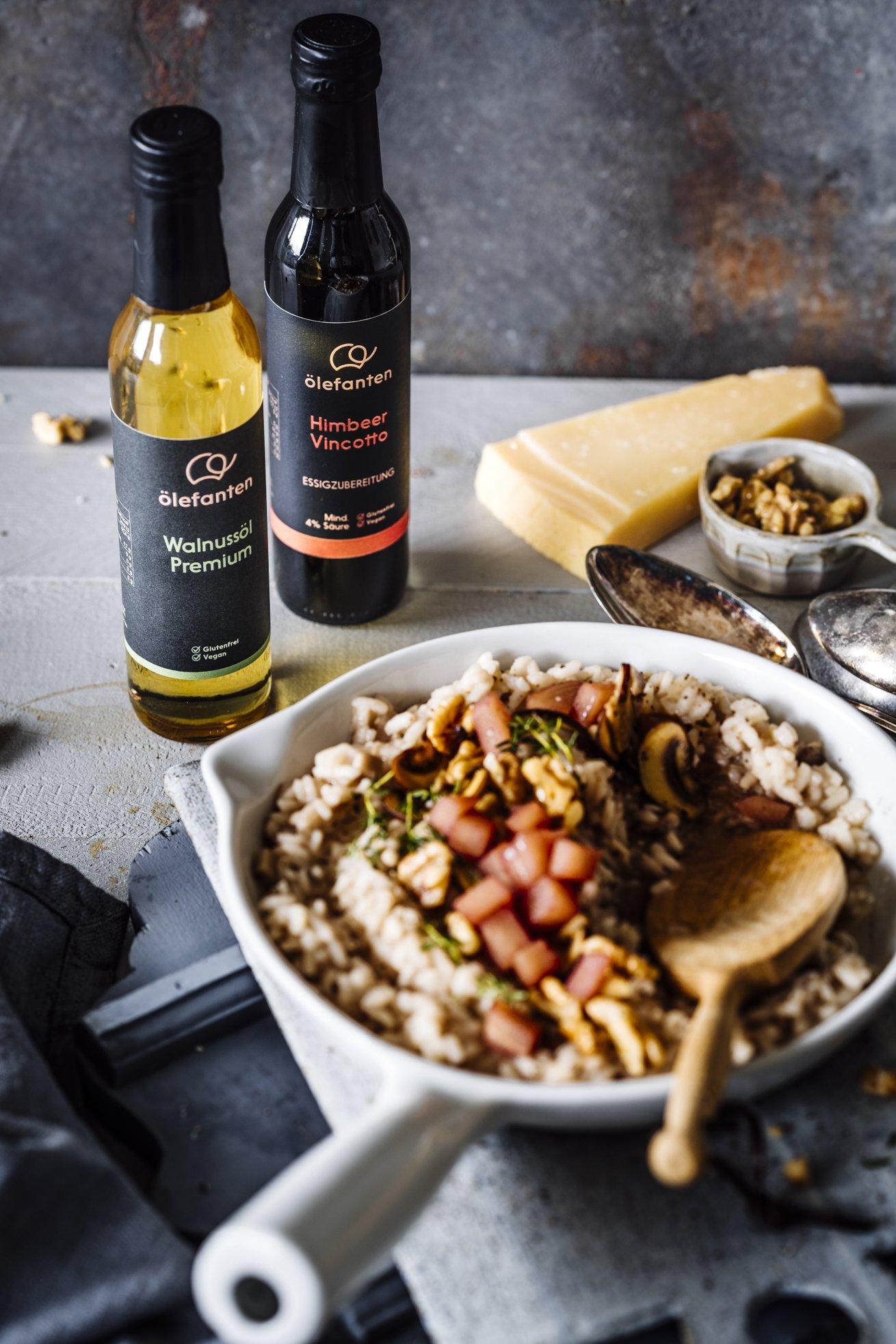 Walnuss Taleggio Risotto mit in Rotwein gekochten Birnen und Champignons