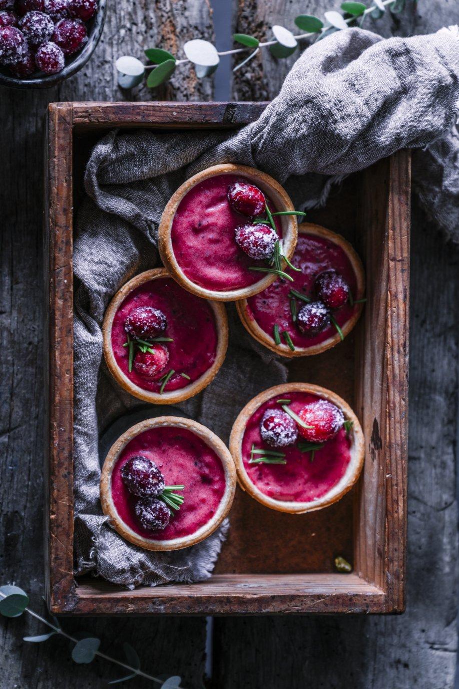 Süße Cranberry Curd Tartelettes