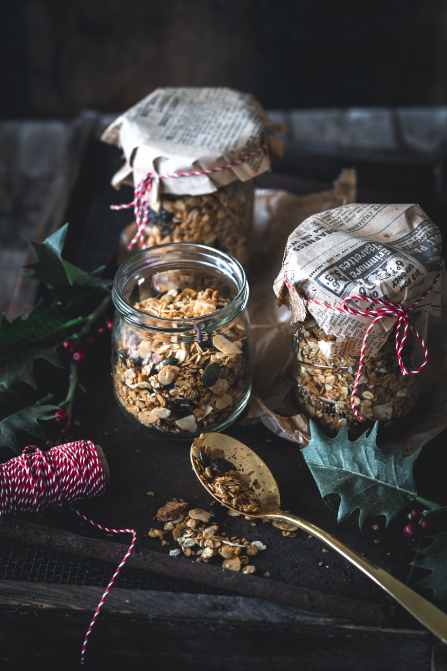 Homemade Granola mit Cranberries und Spekulatius