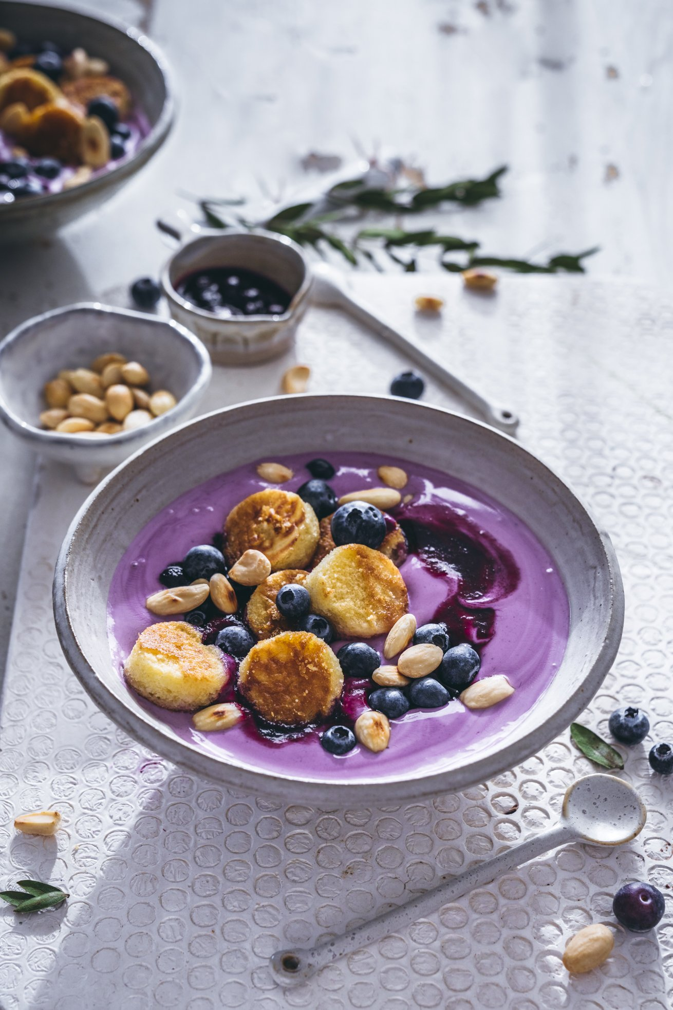 Glutenfreie Mandel Mini Pancakes mit Joghurt