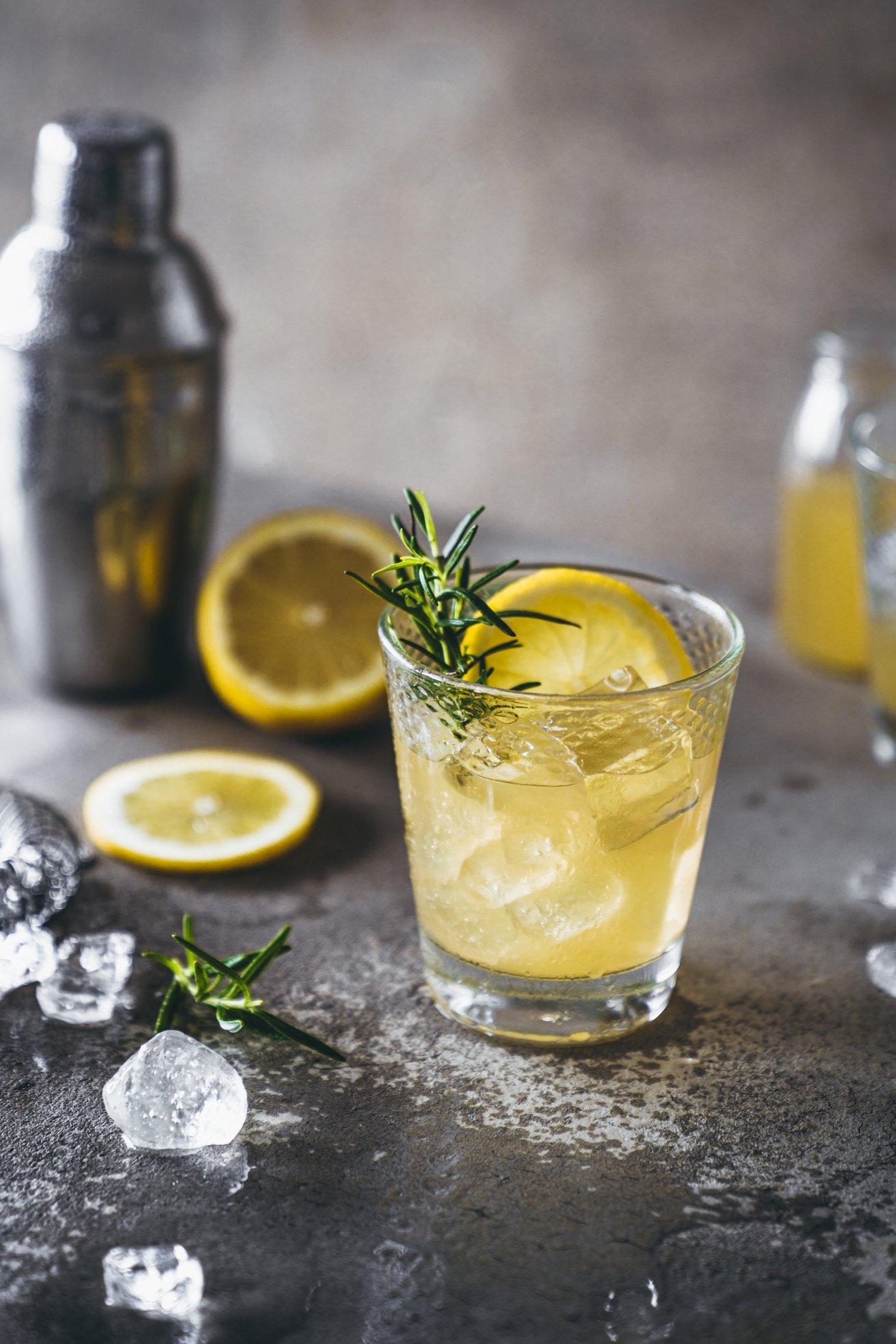 Whisky sour mit Ahornsirup