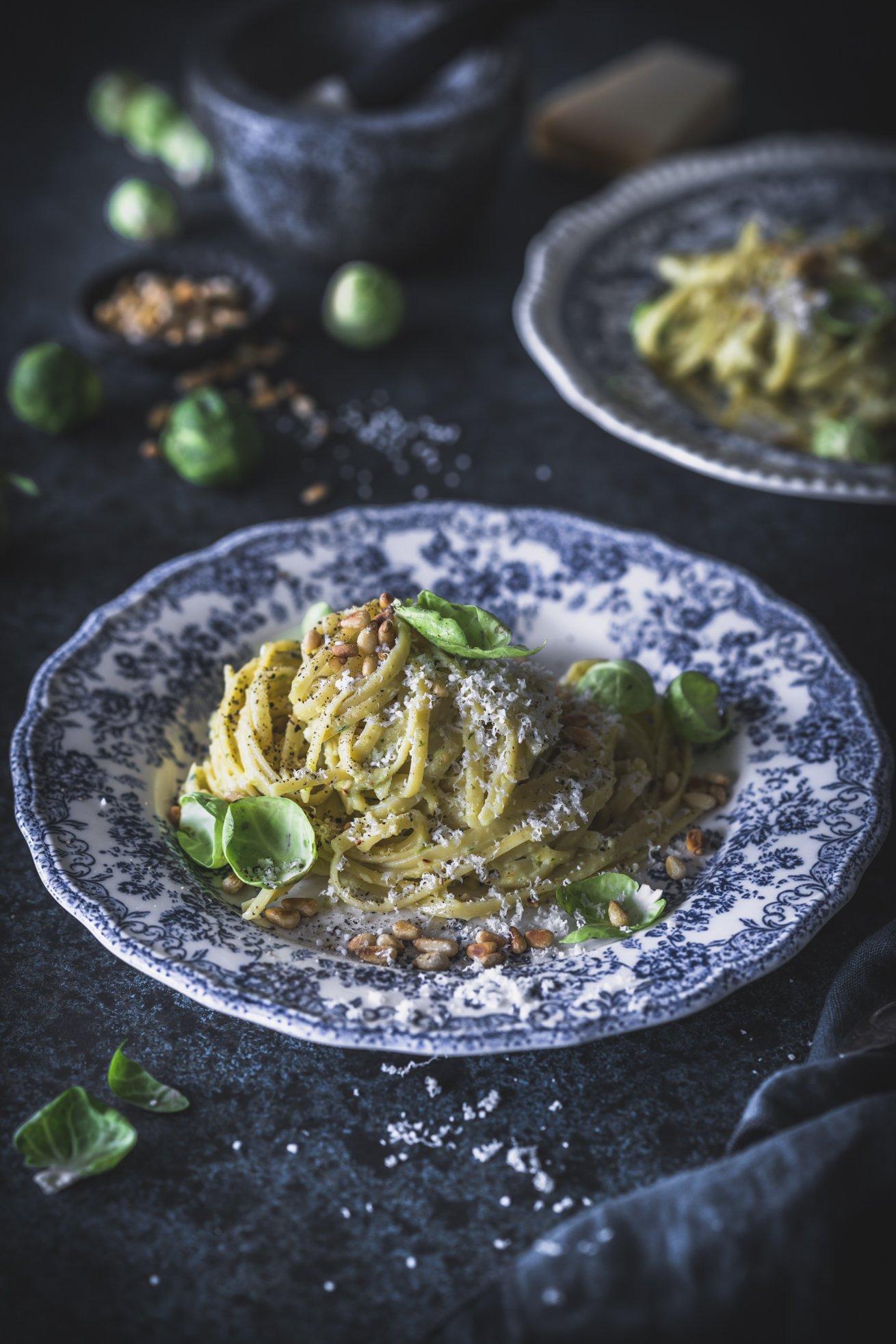 Cremige Spaghetti mit Rosenkohl Pesto