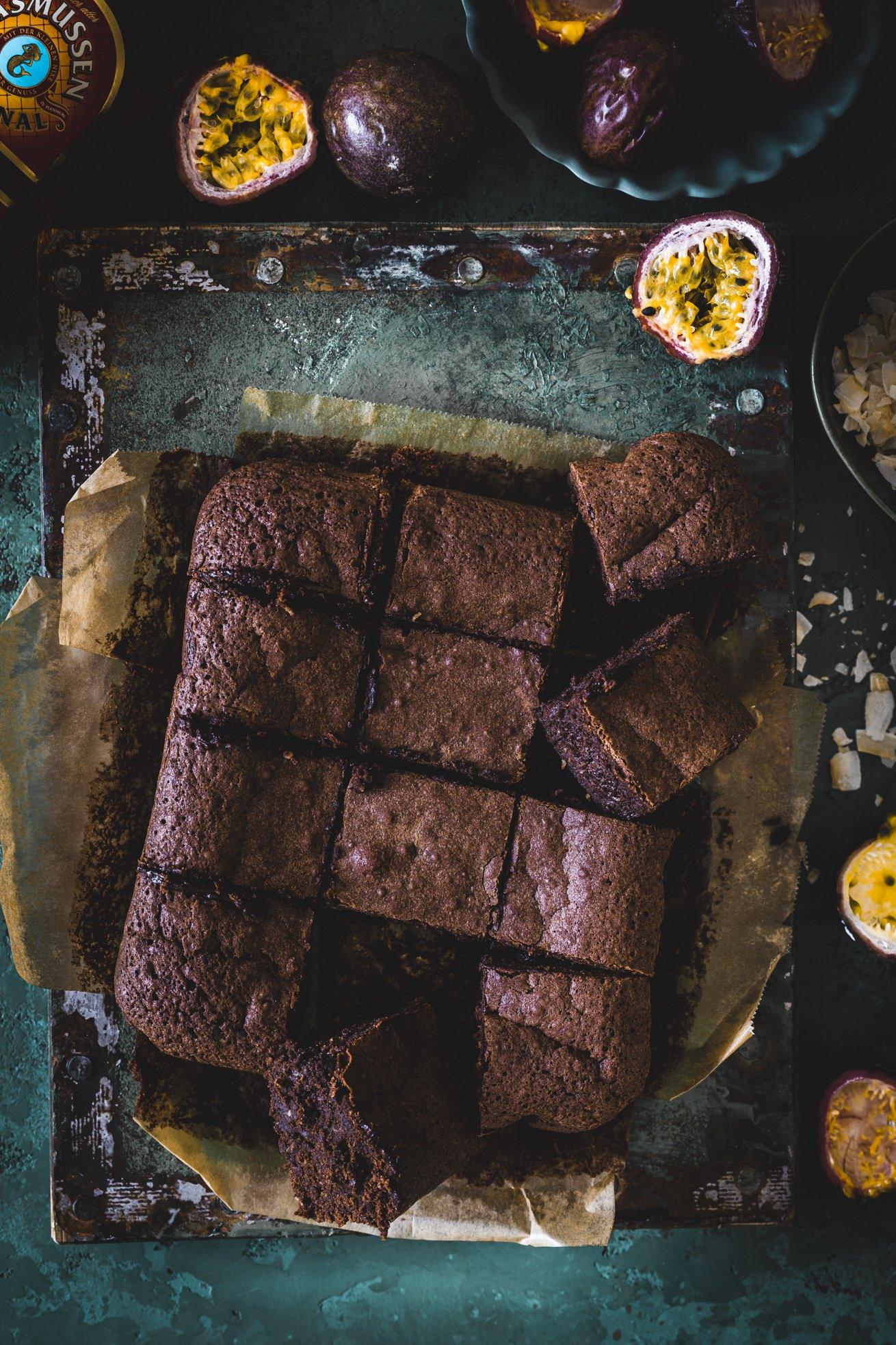 Brownies mit Kokos und Passionsfrucht