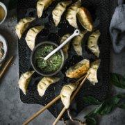 Vegetarische Wan Tan mit Pesto