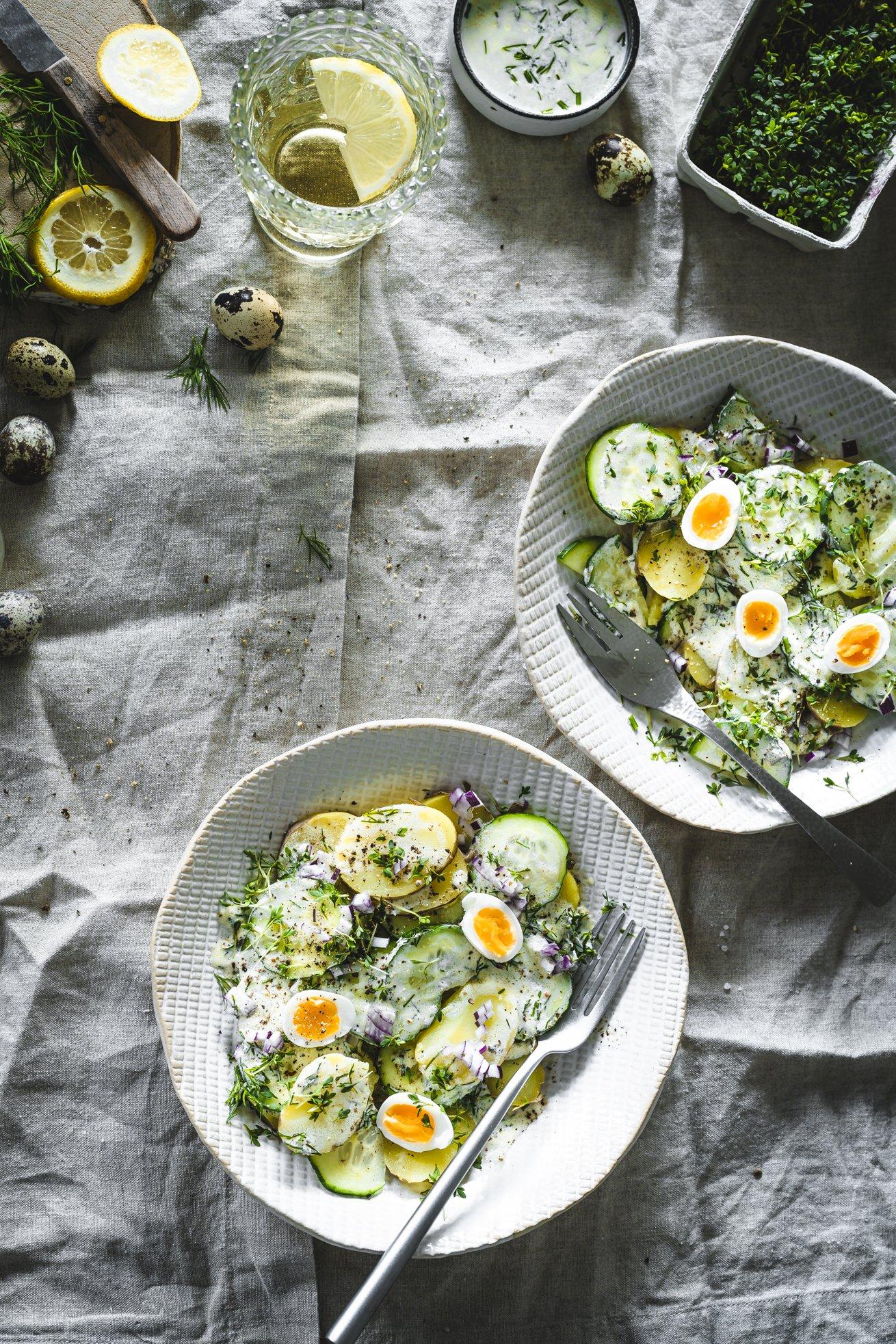 Nordischer Kartoffelsalat mit Gurke und Ei