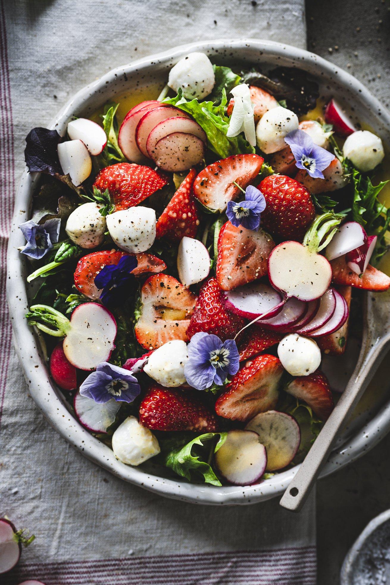 Erdbeer Radieschen Salat