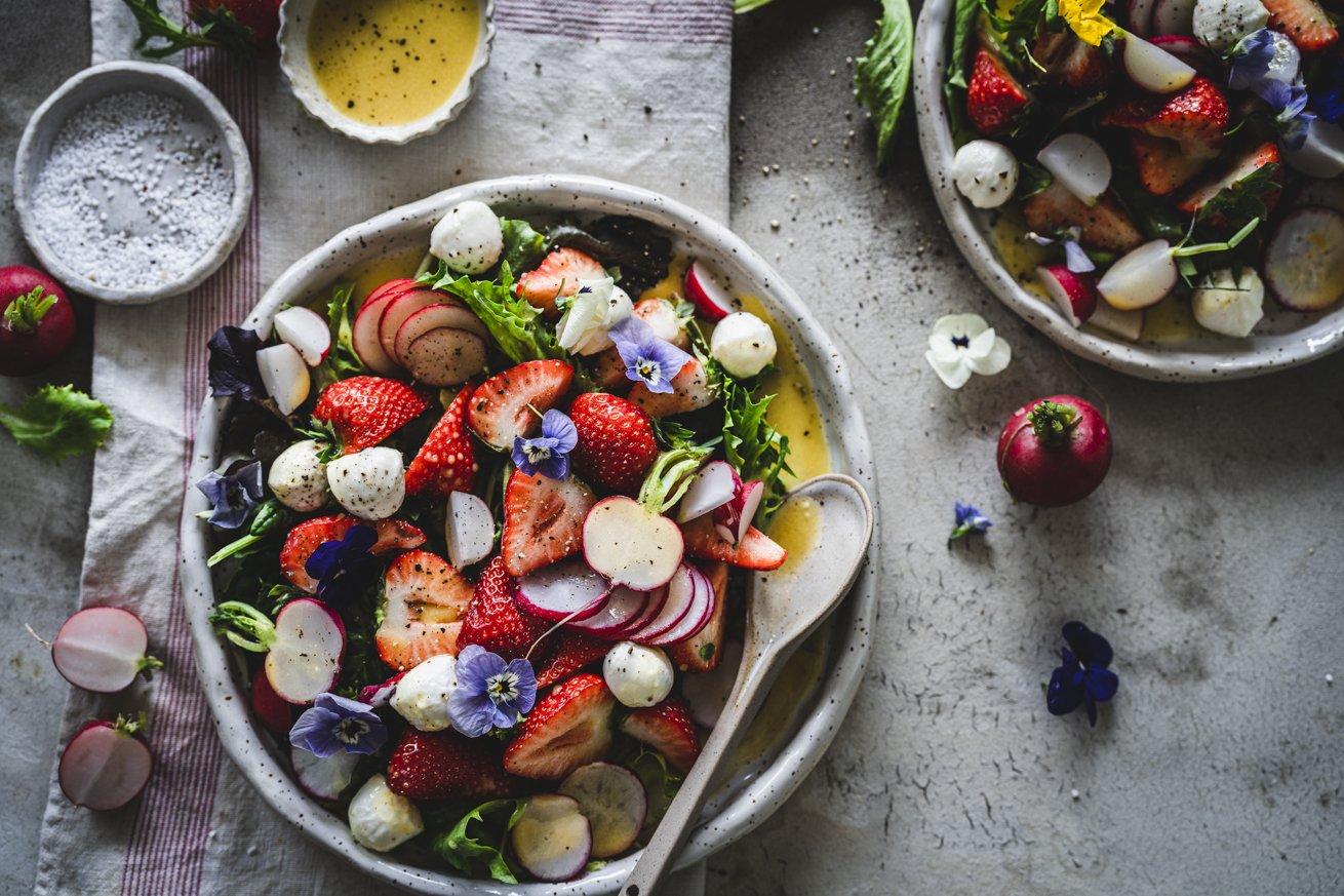 Erdbeersalat mit Radieschen