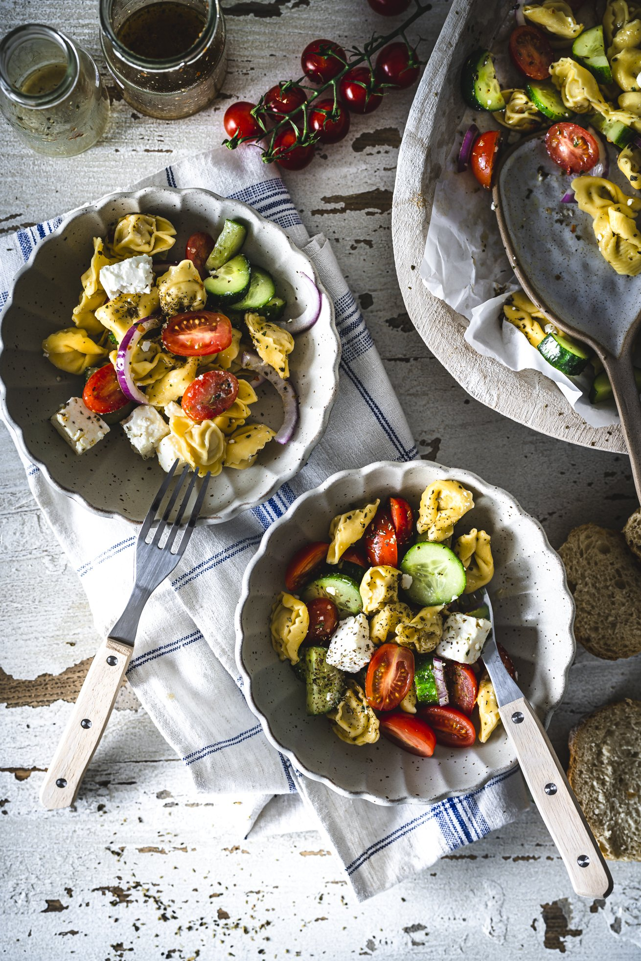 Tortellini Salat mit Feta und Gurke