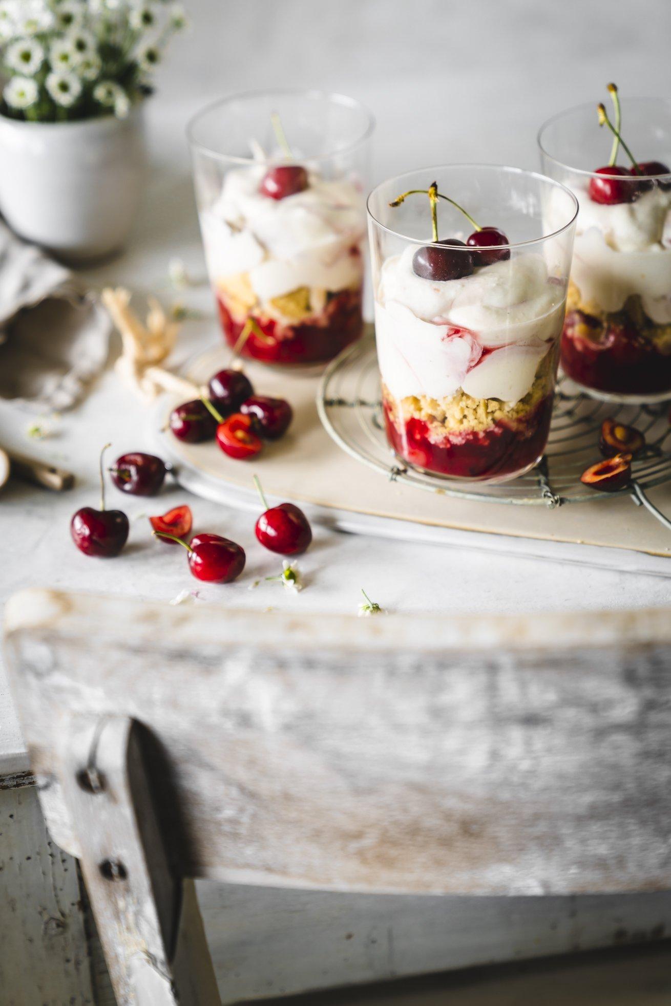 Kirsch Dessert mit Mousse