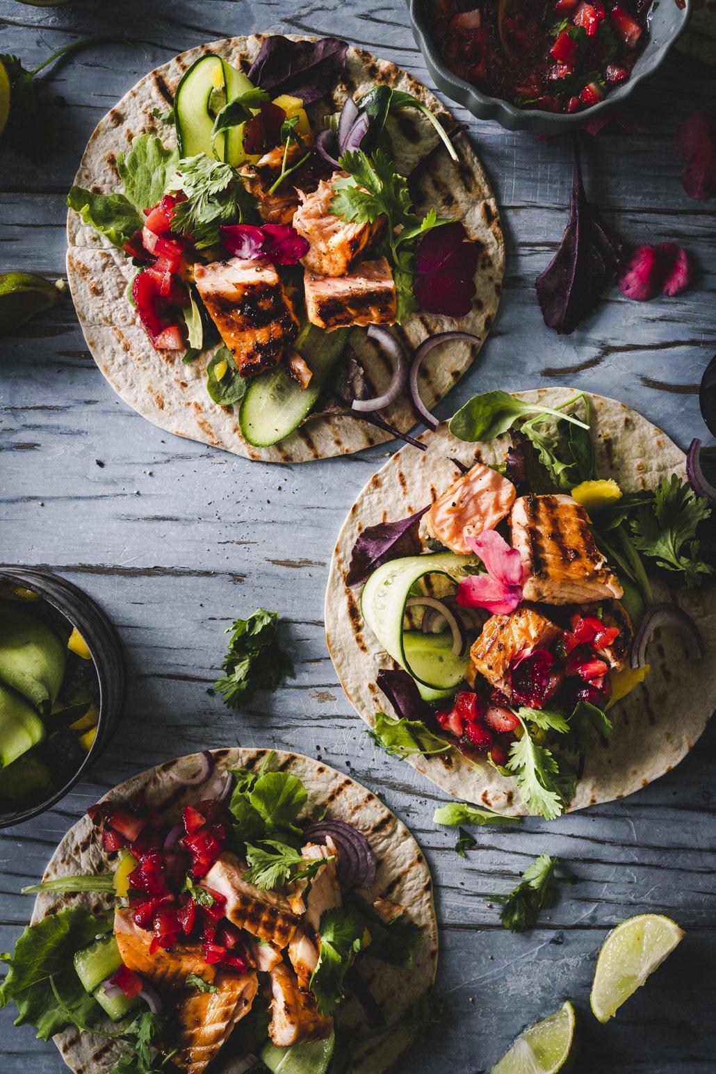 Lachs Tacos mit Erdbeer Salsa