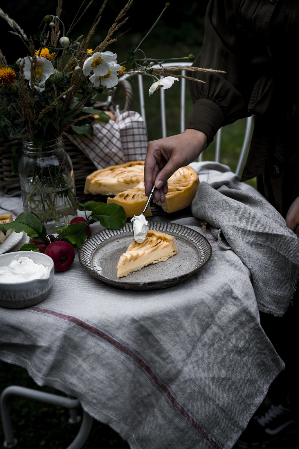 Französische Apfeltarte mit Sahne
